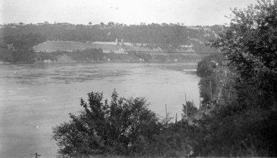 Queenston-Lewiston Bridge, 1925.