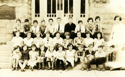 Laura Secord School in Queenston - Miss Hill Class 1925-26