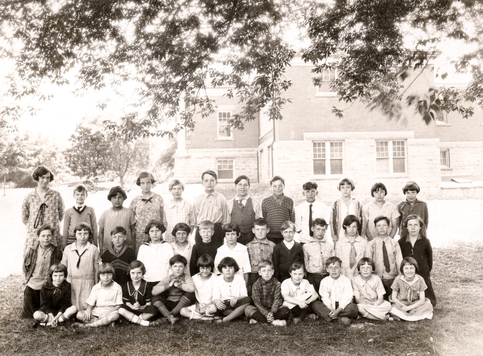 Laura Secord Memorial School in Queenston, class photo, 1926-27