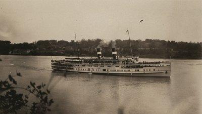 Steamship Cayuga on the Niagara River