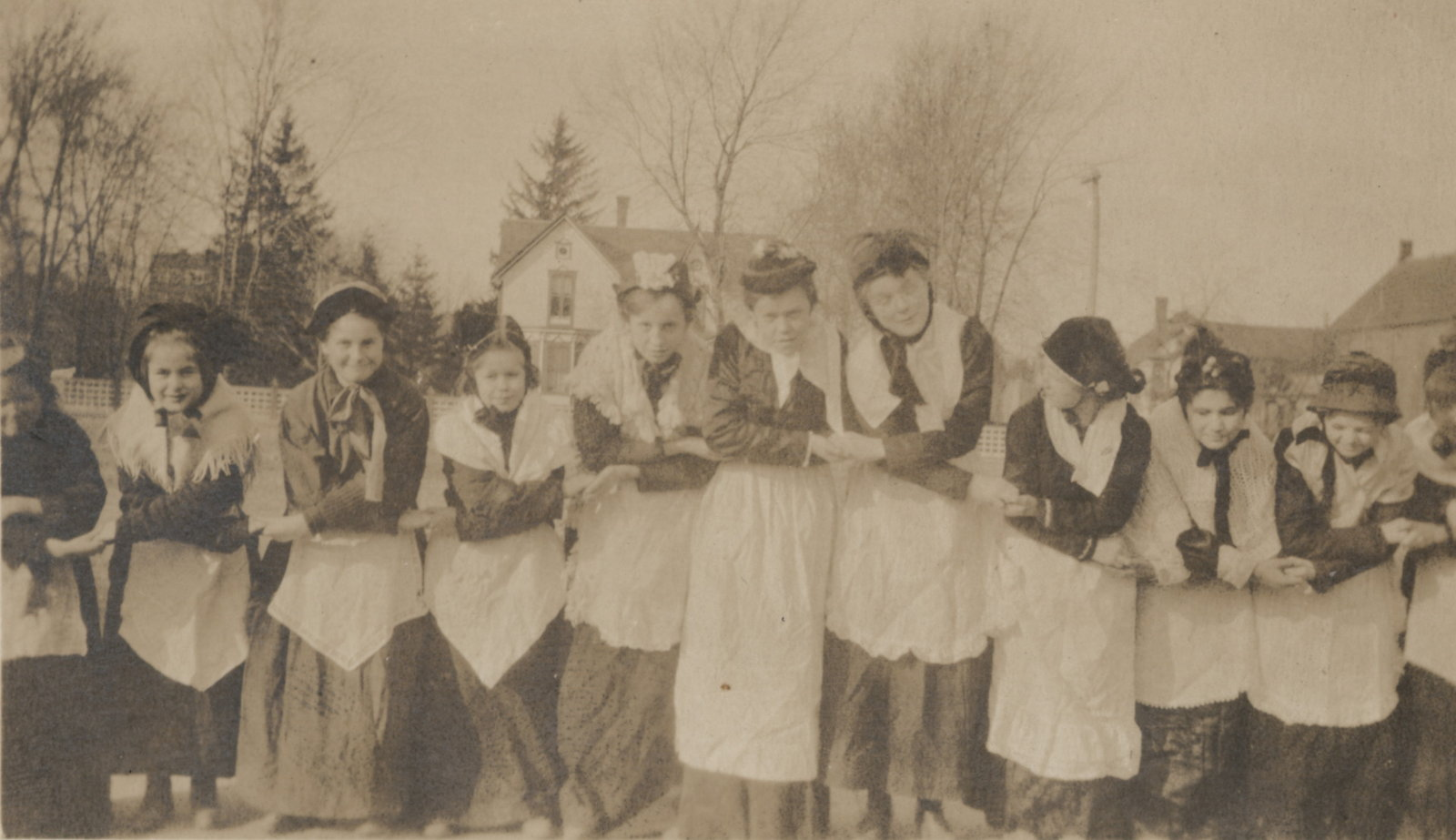 Students of the Laura Secord Memorial School in Queenston, 1919. <br>Courtesy the Niagara-on-the-Lake Public Library.