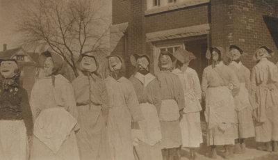 Students of Laura Secord Memorial School in Queenston, 1919