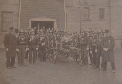 Niagara fire fighters in front of the Court House