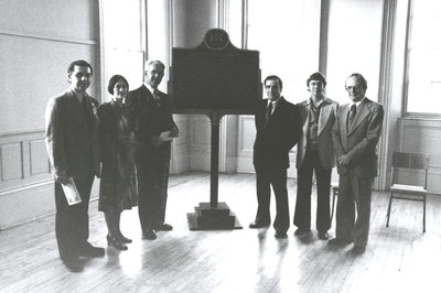 "<font color=""#008080"" size=""2"">Unveiling of historical plaque commemorating the Niagara Library</font>"
