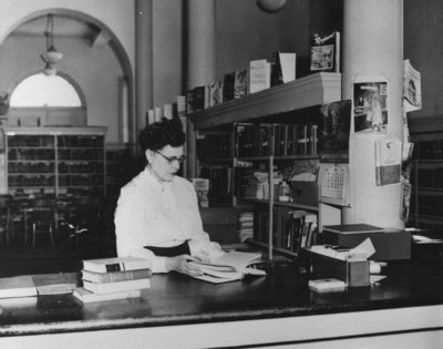 Librarian Mary Duddy in the Niagara Public Library