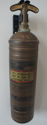 Pyrene hand fire extinguisher