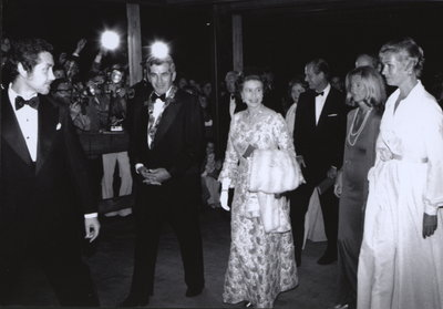 Queen Elizabeth II with Jacob Froese, Lord Mayor of Niagara-on-the-Lake, at grand opening of the Shaw Festival Theatre.