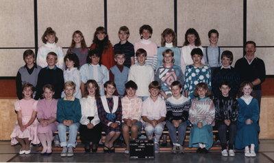 Colonel John Butler Public School, 1987-88, grade 7