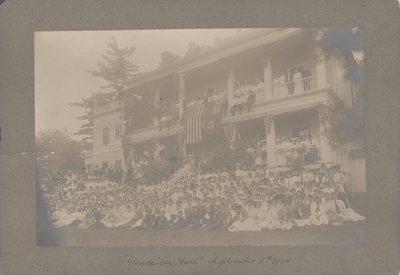Glencairn Hall in Queenston, 1904