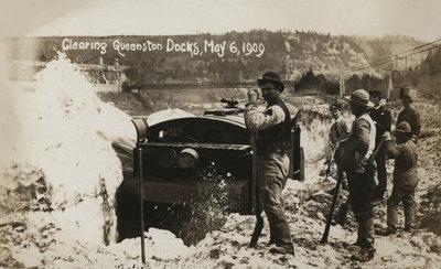 Ice jam on Niagara River, 1909
