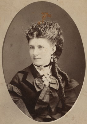 Portrait of Theresa Woodruff