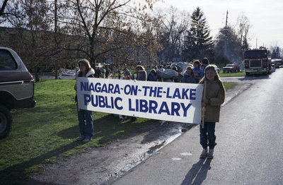 NOTL Public Library participating in Santa Claus Parade