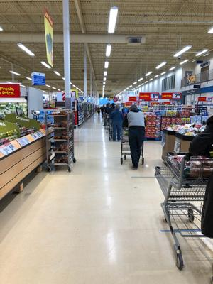 Grocery store check out line up