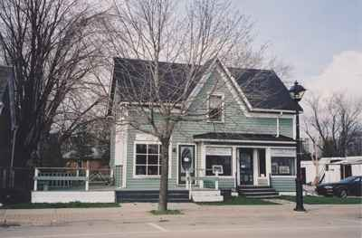 The Old Bronte Post Office, now Bronte Harbour Fine Arts.