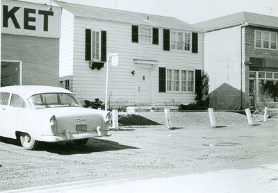 136 Kerr St. North