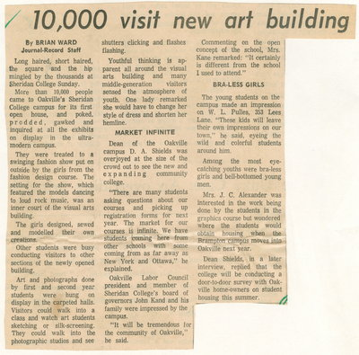 10,000 visit new art building
