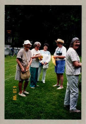 Bronte Historical Society's Summer Garden Tour & Barbecue, 17 June 2000