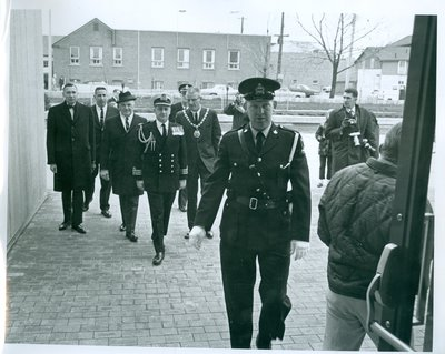 Earl Rowe Arriving at the Oakville Centennial Centre