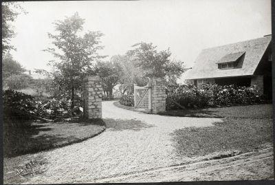 Erchless driveway entrance