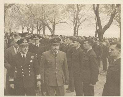 Rear Admiral Nelles reviewing Australian Airforce Trainees