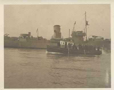 Christening Party departing HMCS Oakville