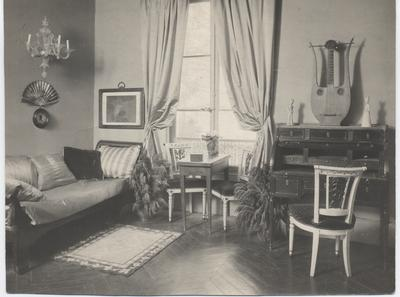 Juliet Chisholm's French living room