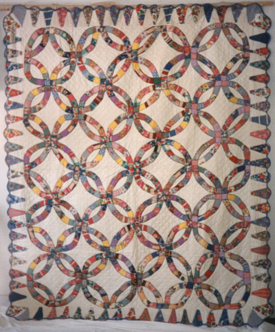 Double Wedding Ring Quilt circa 1948