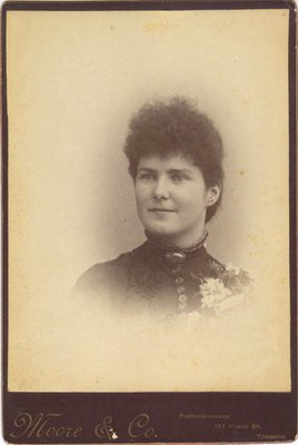 Photograph of an unidentified woman