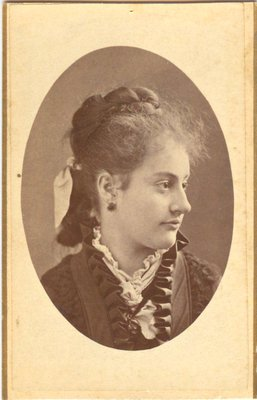 Portrait photograph of a woman