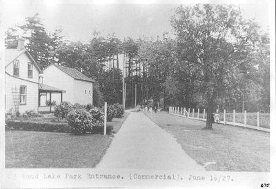 Bond Lake Park Entrance