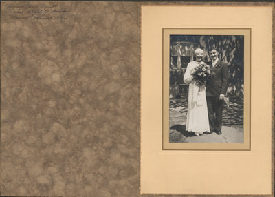 Wedding photo of Russell Lynett and Isobel McLean