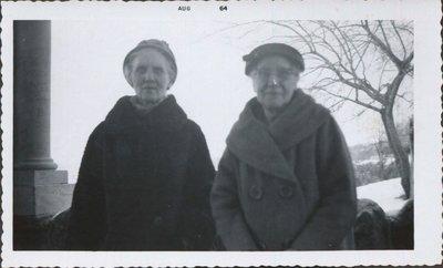Sarah Elizabeth Hall and aunt Myrtle