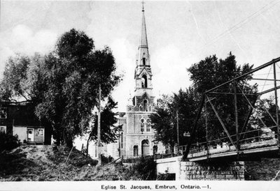 L'église Saint-Jacques et le pont du rang Saint-Jacques à Embrun.