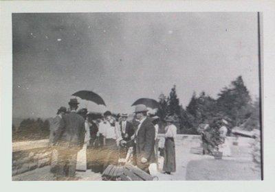 Grantham Methodist Church Sunday School picnic at Queenston Heights, c1910