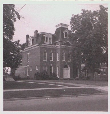 Mansion on Welland Avenue between Thomas and York Streets