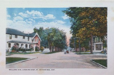 Souvenir Folder of St. Catharines: Welland Avenue Looking East