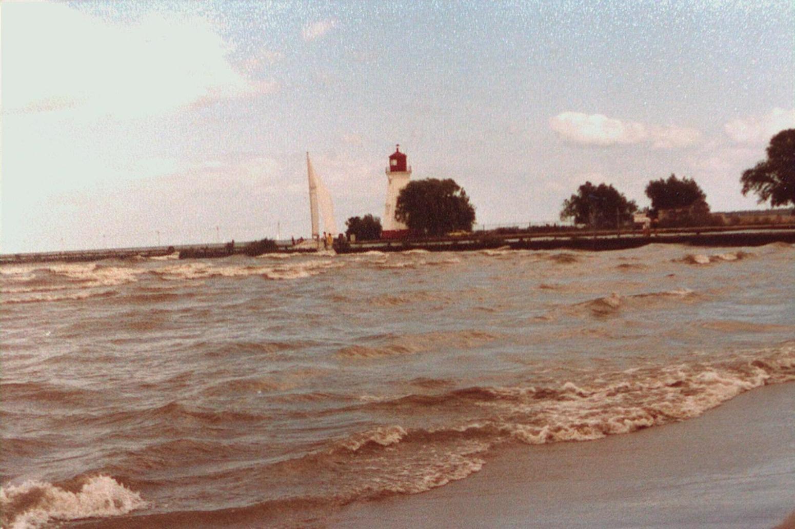 Port Dalhousie Inner Lighthouse, Pier & Beach