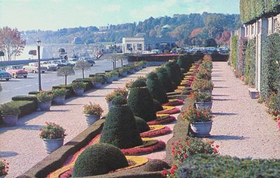 Oakes Gardens and the Niagara Parkway