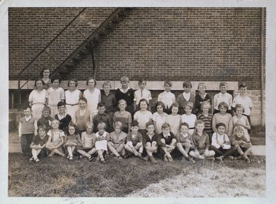 Class Portrait at Grapeview School, St. Catharines