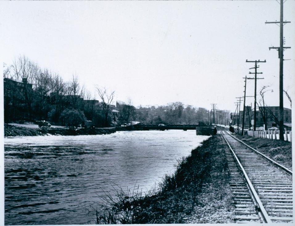 Twelve Mile Creek at Welland Vale