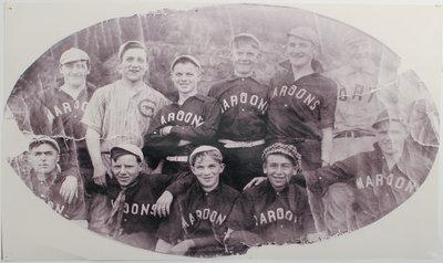 Maroons Softball Team Schreiber