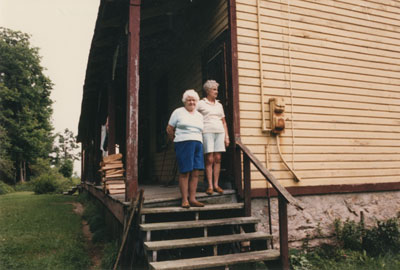 Amy Beley Jackson and Lillie Lindsey at the Original Beley Home