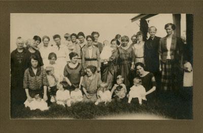 Ladies Aid South River United Church, 1922