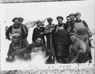 Woods Group Picture, March 14, 1938