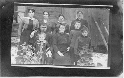 Noiak Family Postcard