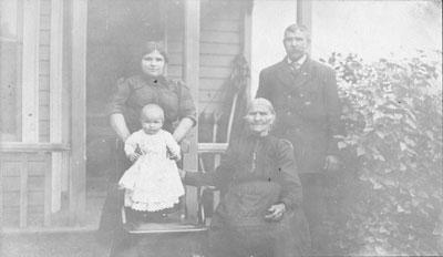 The Smeltzer Family, circa 1914
