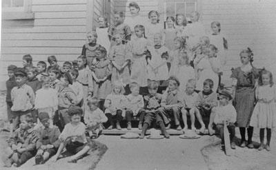 Group Picture Sundridge Public School, circa 1905