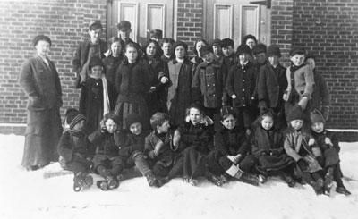 Senior Classes of Sundridge Public School, circa 1915