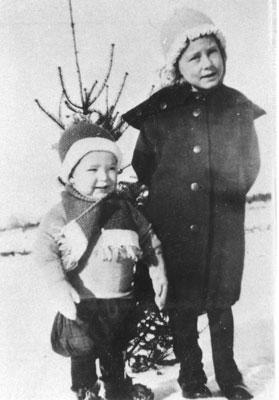 Les Harrison and Rosella Harrison, circa 1910
