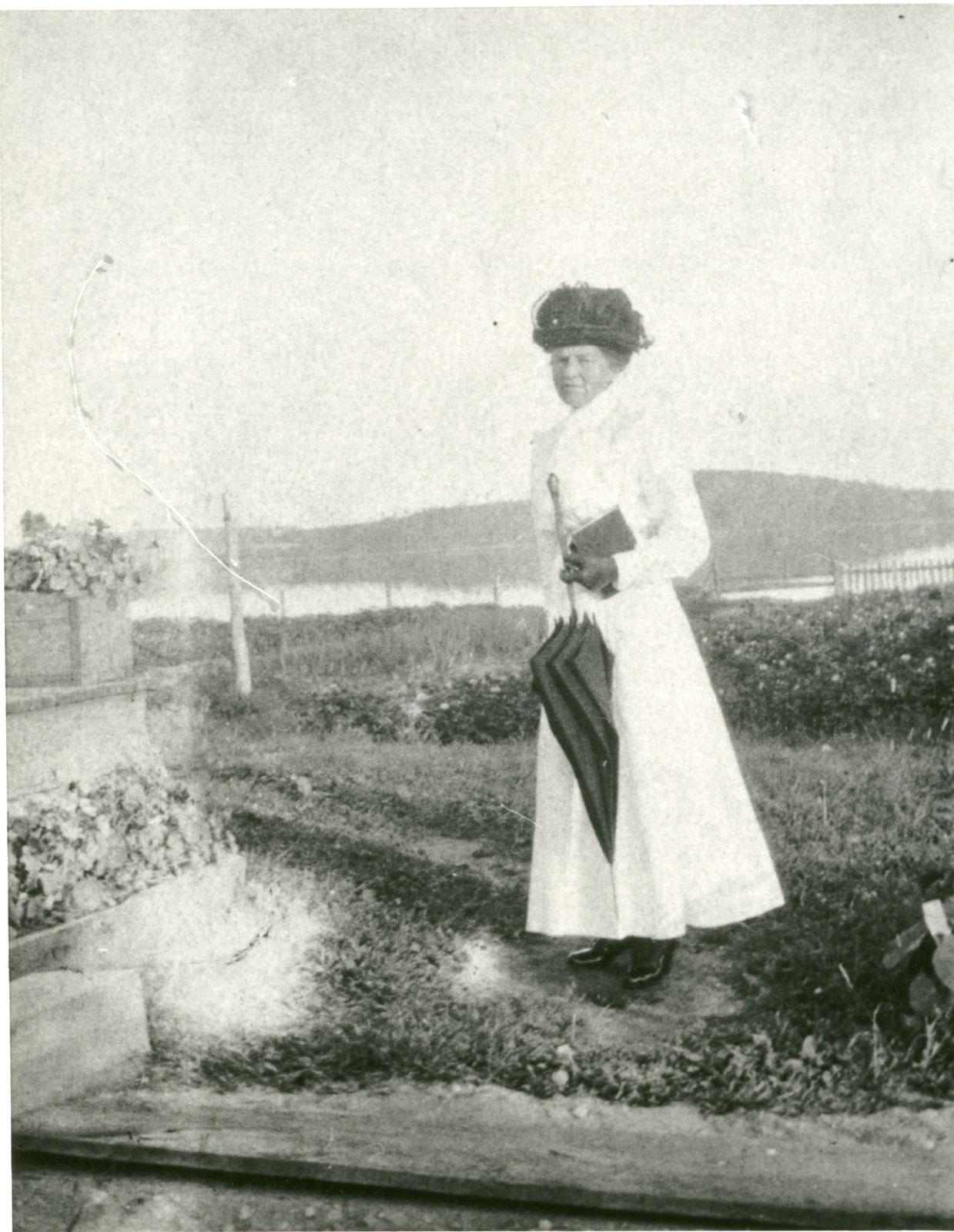 A woman in Sundridge circa 1915. <br>Courtesy the Sundridge - Strong Union Public Library.